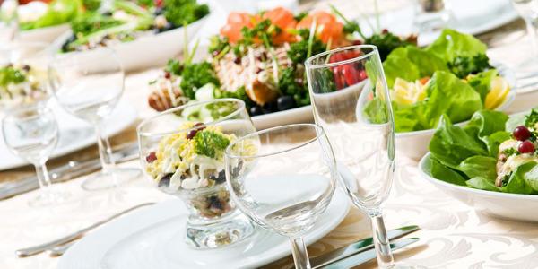 Jaki obrus wybrać na uroczystą kolację?