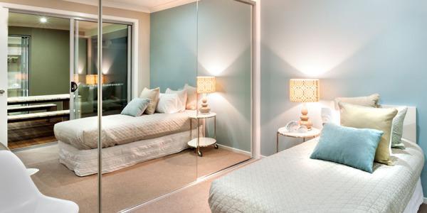 Jak sprawić, by mała sypialnia wyglądała na większą?