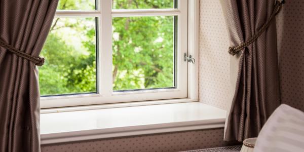W jaki sposób zaaranżować okno na lato?